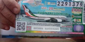 Cachitos de avión presidencial para escuelas y pueblos mineros
