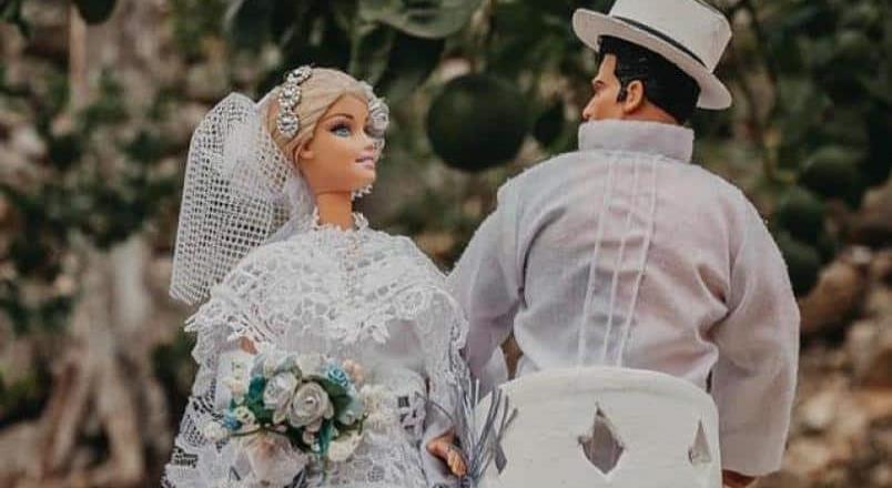 Celebran peculiar boda entre Barbie y Max Steel