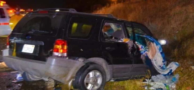 Muere conductor en aparatoso accidente entre su vehículo con un tractocamión