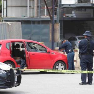 Hombre muere dentro de su automóvil en Cucapah
