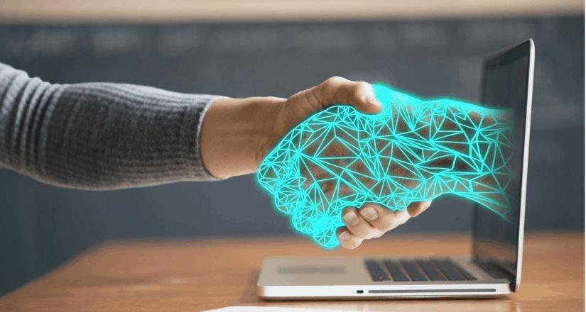 UiPath lanza la primera plataforma de hiperautomatización de extremo a extremo de la industria