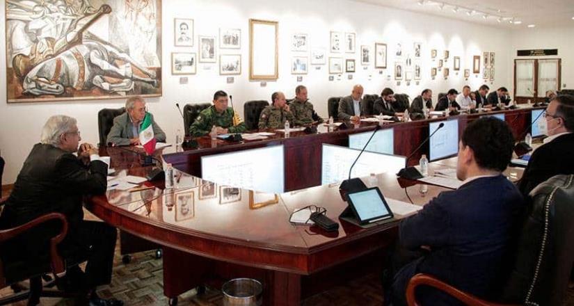 AMLO se reúne con su gabinete para evaluar acciones por Covid-19