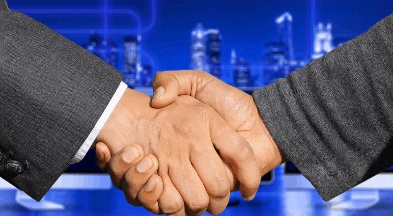UiPath lanza mejoras en su programa para socios