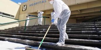 Limpian y sanitizan instalaciones de la Clínica 30 del IMSS