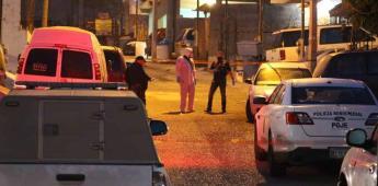 Asesinan a hombre mientras lava su vehículo