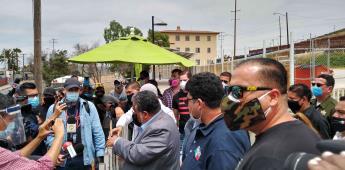 Líderes de taxis y autoridades logran acuerdo para operar en la Línea