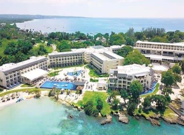 Blue Diamond Resorts reabrirá cinco resorts el próximo mes