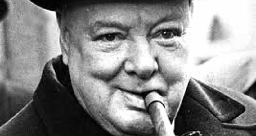 """Churchill y su estatua, las pensiones y """"limosnas"""""""