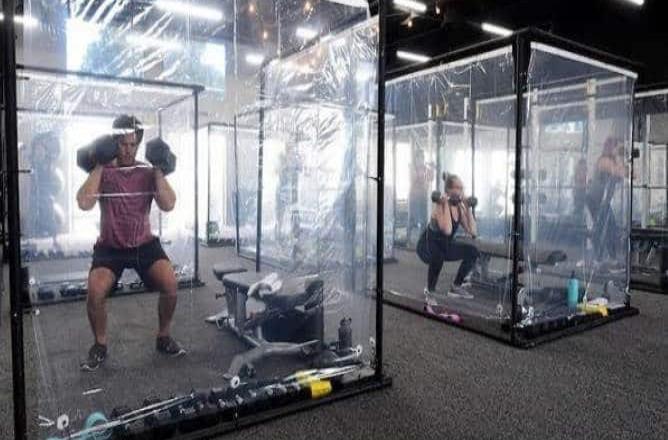 Gimnasio en California utiliza cápsulas de entrenamiento