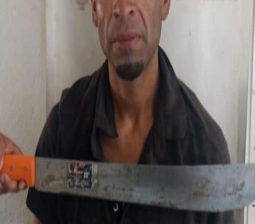 Por portar un machete es detenido por la Policía de Tecate