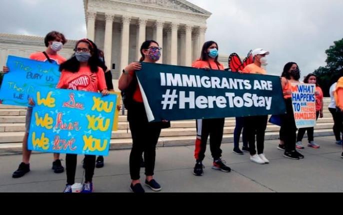 California regularización migratoria para 200 mil dreamers en el estado