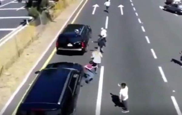 Camioneta que acompaña al presidente avienta a hombre en Tlaxcala