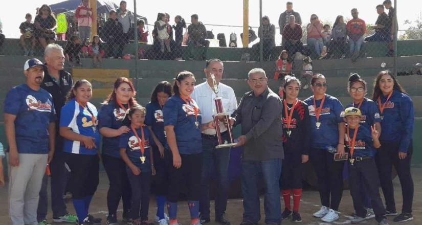 Parcela 50 milita en el softbol de Los Barrios