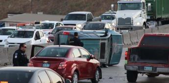 Homicidio en vía pública ocasiona accidente automovilístico