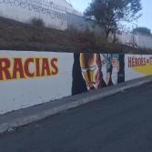 Pintan mural en honor a profesionales de la salud