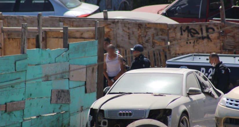 Hombre es perseguido por elementos municipales en Valle Verde