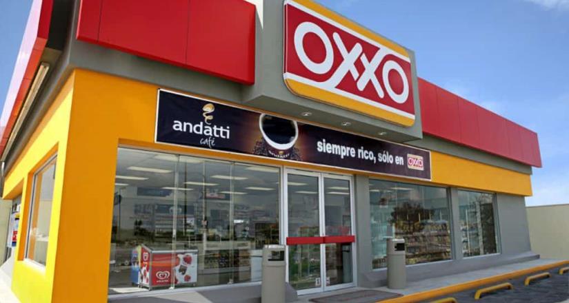 Asesinan a joven dentro de su vehículo estacionado en una tienda OXXO