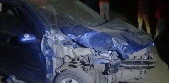 Chocan dos vehículos en el ejido Díaz Ordaz