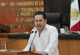 Ni carpetazo, ni impunidad, garantiza EPN a padres