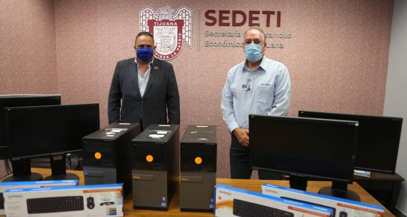 Gobierno Municipal, recibe donativo de computadoras por parte de Hyundai México