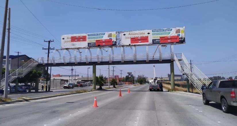 Exhortan evitar el uso de 6 puentes peatonales en riesgo para la ciudadanía