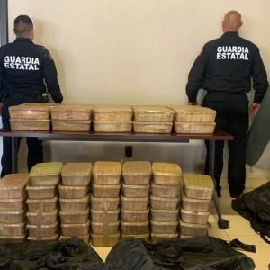 Da FGE golpe al narcotráfico con decomiso de 175 KG de metanfetamina