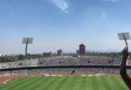 Rubens Sambueza toma cerveza en el Pachuca vs Chivas
