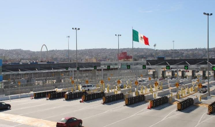 Los cruces fronterizos restringidos podrían continuar hasta después de las elecciones de noviembre