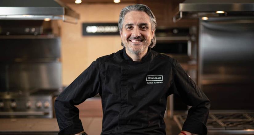 Chef Mikel Alonso conmemora el día mundial del chocolate con un original platillo