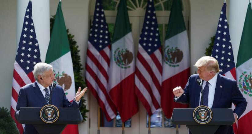 """EUA estaría """"inundado"""" de Covid-19 si no fuera por el muro:  Trump"""