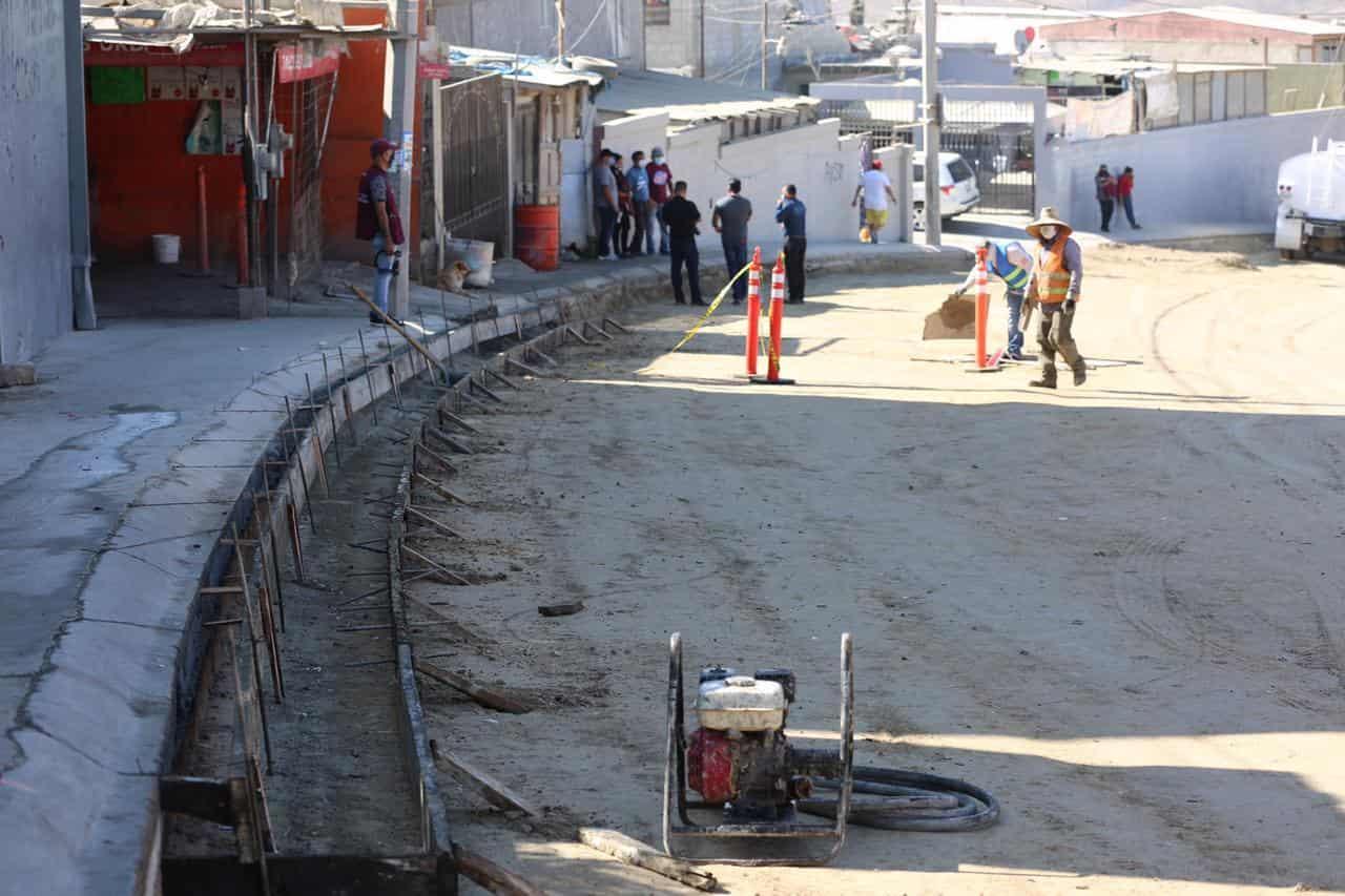 Se invierte cerca de 11 millones de pesos en reconstrucción de calle un Úrbi Villas del Prado I