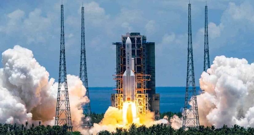 China lanza cohete al Planeta Rojo