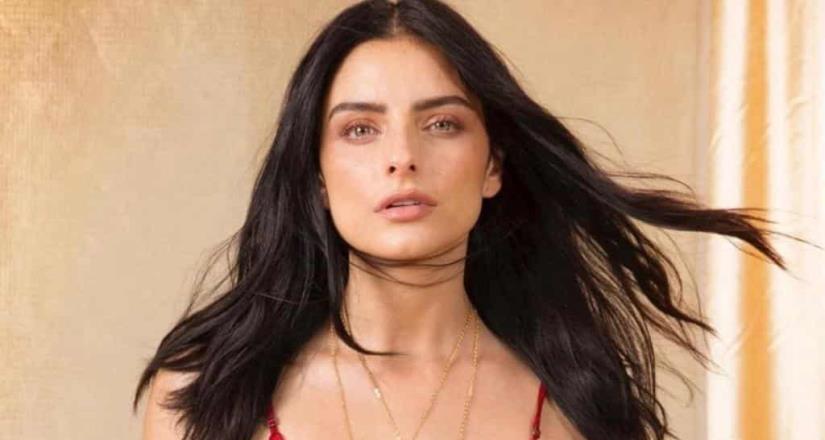 Aislinn Derbez presume bikini y cuerpazo en Instagram