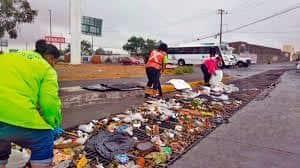 Huracán Hanna arrastra basura por las calles más transitadas de Monterrey