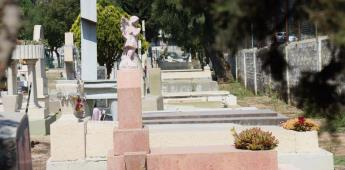 Ayuntamiento reanuda actividades en los 13 panteones municipales