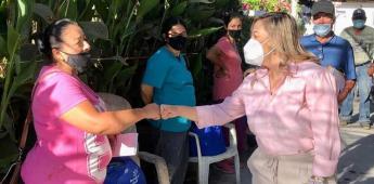 Entregó Mata Lozano apoyos alimenticios en Maneadero