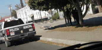 Ejecutan a balazos a masculino frente a Plaza Cuchuma