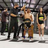 Retiene Aguilar cetro en UWC: Supremacy