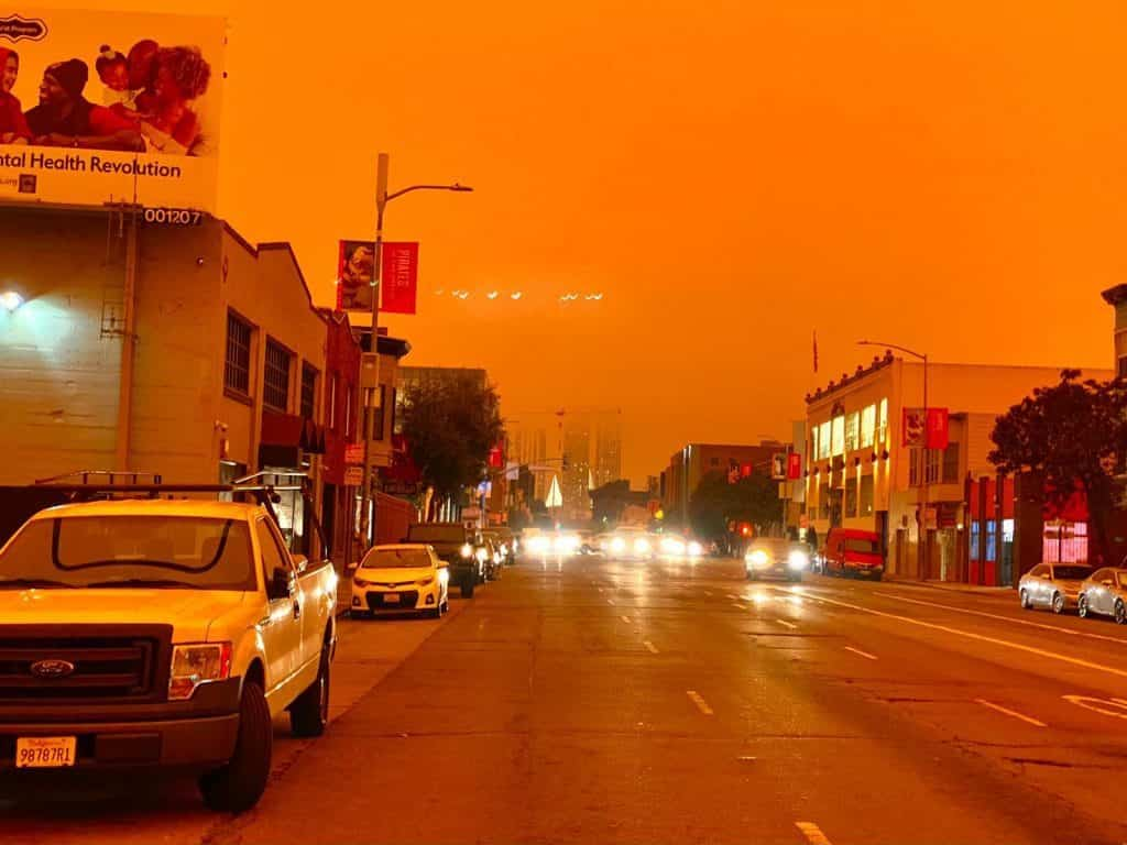 La bahía de San Francisco se tiñe de rojo y naranja tras incendios forestales