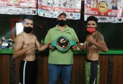 """Omar """"Pollo"""" Aguilar en peso para su combate"""