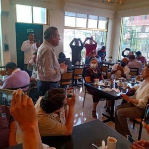 Arturo González encabeza desayuno con medios de comunicación