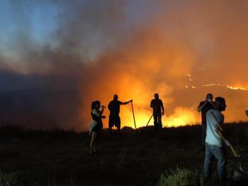 Alerta protección civil y bomberos por incendios forestales en zona rural de Playas de Rosarito