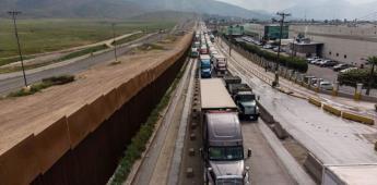 Policías Municipales de Tijuana supuestamente extorsionan a transportistas en cruce fronterizo Otay