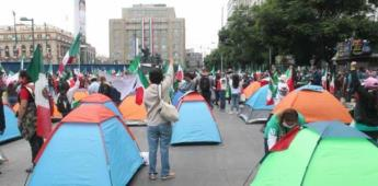 Grupo anti-AMLO toma avenida Juárez