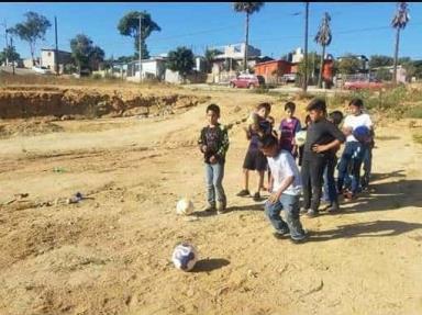 Piden ayuda para acondicionar en campo de fútbol