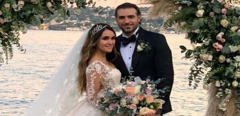 Dulce María recuerda con nostalgia el día de su boda, sin Covid-19