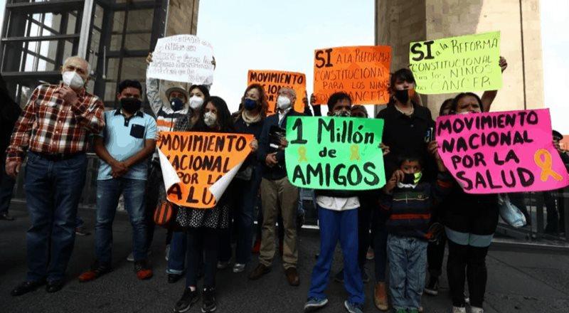 Padres presentarán denuncia penal contra AMLO