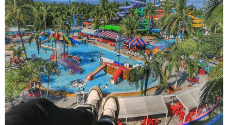 Date un chapuzón en el parque acuático más grande de Puerto Vallarta