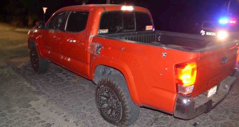 Encuentran cuerpo sin vida al interior de un vehículo