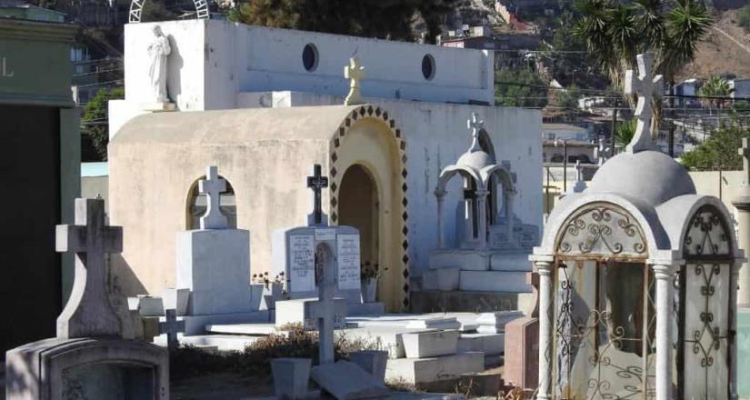Panteones municipales permanecerán cerrados durante Día De Muertos